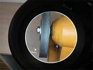 Abbildung Schleifmaschine mit Lupe