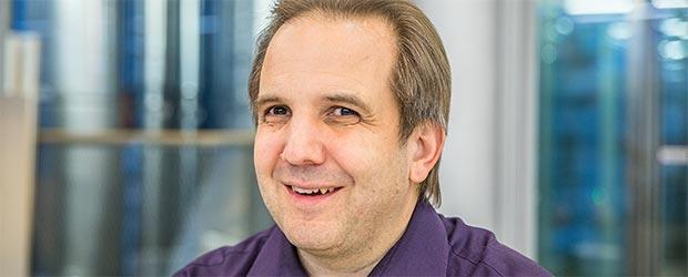 Jörg Korinek, erklärte und die Brailleschrift in Sendung No. *33*