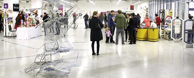 Künstler (über 50 Stück) präsentieren ihre Werke in Supermarkt-Atomosphäre - SupermART in Nürnberger Quelle-Areal