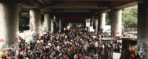 Theodor-Heuss-Brücke Bühne Afrika Festival Nürnberg