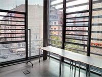 Fast 360 Grad nur Glaswände im KunstKulturQuartier - eine Herausforderung für die Audiotechnik.