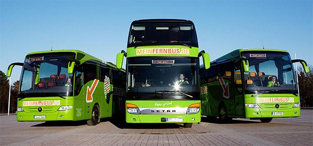 Meinfernbus mit verschiedenen Bustypen