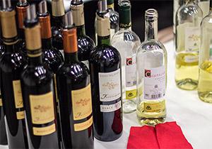 Auswahl an spanischen Weinen aus der Bodega Avelino Vegas