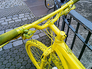TeilEsel Fahrrad in Nürnberg mit neongelbem Lenker