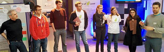 Organisationsteam auf der Bühne