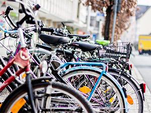 Fahrräder im Frühling am Kornmarkt Nürnberg