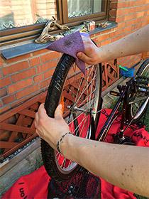 Reifen putzen, Fahrrad fit für den Frühling machen