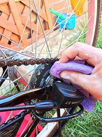 Kettenblätter putzen, Fahrrad fit für den Frühling machen