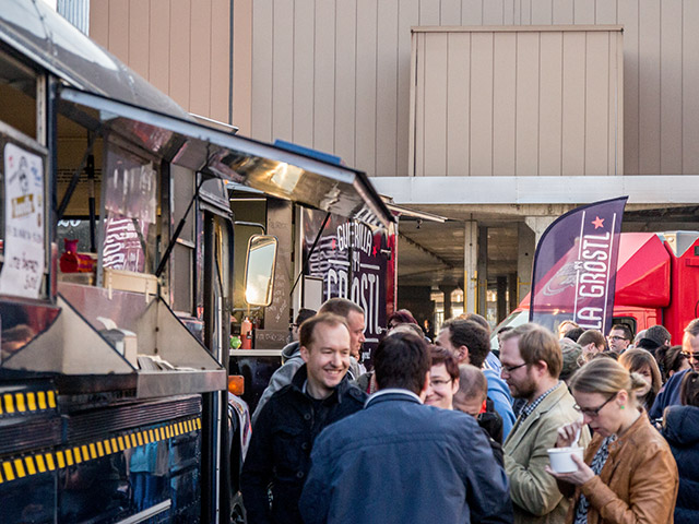 viele gerichte probieren auf dem 2 food truck roundup n rnberg magazin. Black Bedroom Furniture Sets. Home Design Ideas