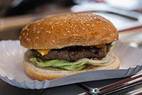 burger-petes-rolling-bbq-food-truck-07