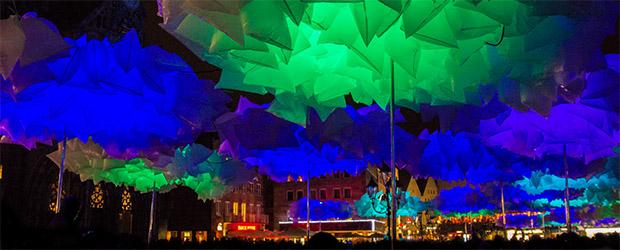 Hauptmarkt Nürnberg mit Waldplastik zur Blauen Nacht 2014