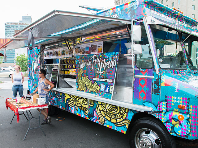 food truck freitag in downtown phoenix magazin. Black Bedroom Furniture Sets. Home Design Ideas