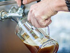 Dunkles Bier von der Brauerei Hembach