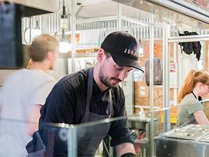 Tobias Bürger bei der Arbeit
