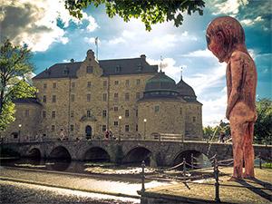 Pissing Alien in Örebro Schweden