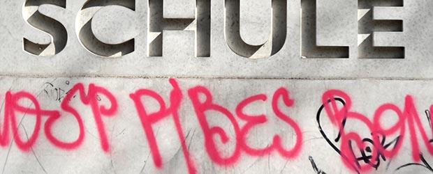 Mauer Schule Graffiti