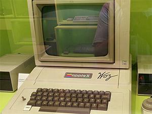 Apple IIplus signiert von Woz