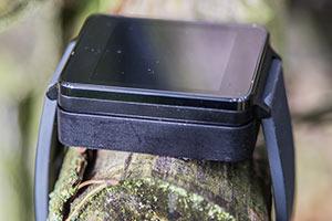Smartwatch G Watch in Ladestation
