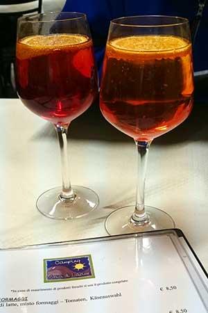 Gläser Aperol