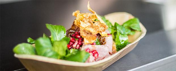 Pastrami Schwein im Palmenblattschiffchen