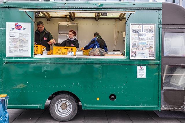 http://www.nuernberg-und-so.de/content/02-blog/244-impressionen-fuenftes-food-truck-roundup-nuernberg-04/5th-foodtruck-roundup-nuernberg-06.jpg