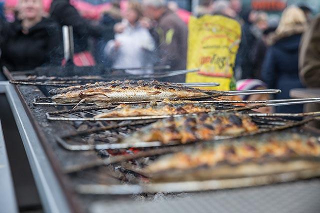 http://www.nuernberg-und-so.de/content/02-blog/244-impressionen-fuenftes-food-truck-roundup-nuernberg-04/5th-foodtruck-roundup-nuernberg-55.jpg
