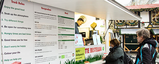 Foodtruck Bunte Burger beim Verkauf