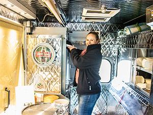 Kerstin im Truck