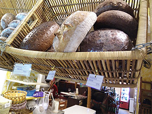 Deutsches Brot in der Kokonuss