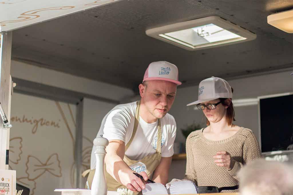 Erstes Foodtruck RoundUp ON TOUR Schwabach Bernd Sonnenschein