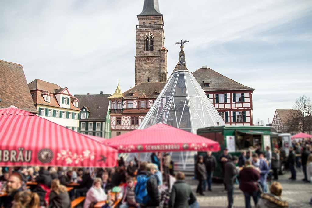 Erstes Foodtruck RoundUp ON TOUR Schwabach Königsplatz Schwabach