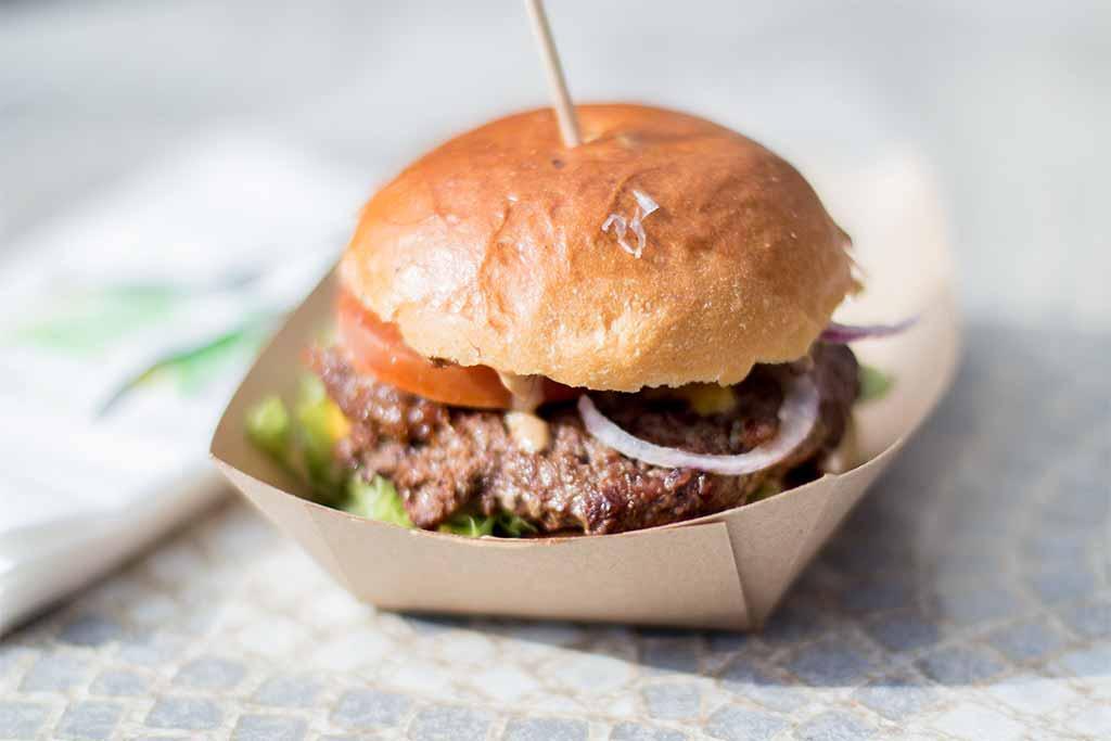 Erstes Foodtruck RoundUp ON TOUR Schwabach Bacon Jam Burger