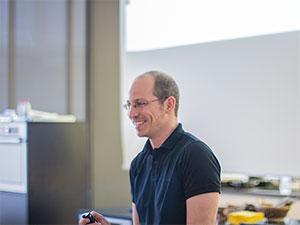Uwe Spitzmüller bei seiner Präsentation