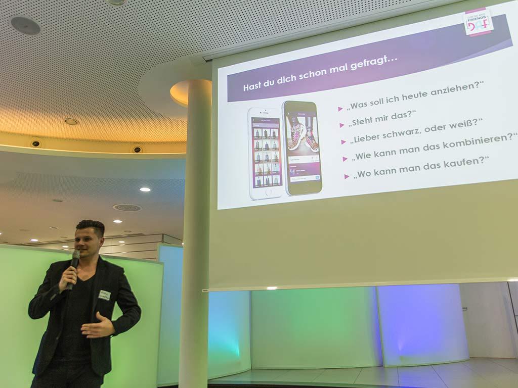 Präsentation Klamotten und Social Media
