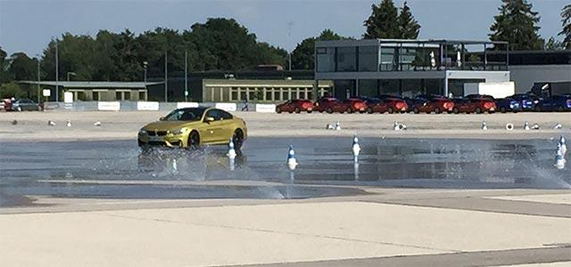 Erster Drift dei der BMW Drift Experience