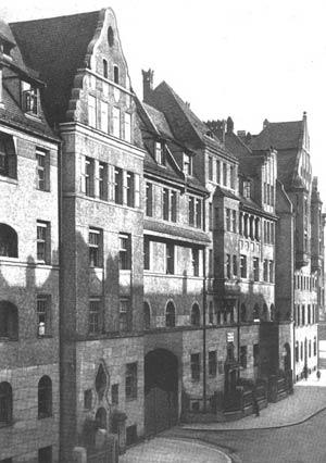 So präsentierten sich Beitters Häuser an der Nordseite der Riehlstraße zwischen 1910 und 1919.