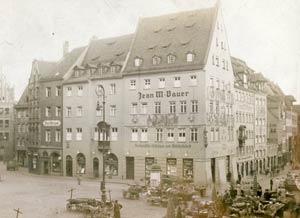 Die Kreuzung Obstmarkt und Tucherstraße vor der Kriegszerstörung, zwischen 1910 und 1916.