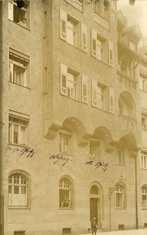 Die Baaderstraße 15, heute ein Baudenkmal, aufgenommen 1915.