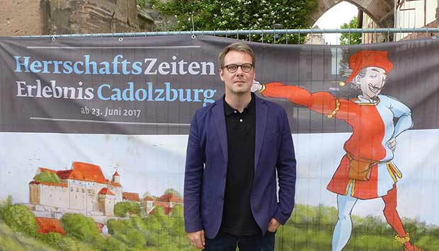 Sebastian Karnatz vor der Cadolzburg.