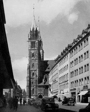 Gelungener Wiederaufbau: die Königstraße im Jahr 1953.