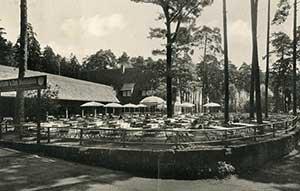 """Der Biergarten der """"Waldschänke"""", aufgenommen 1939."""