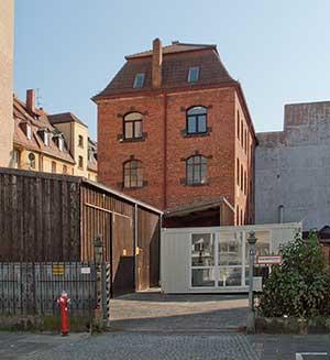 Der Ort, an dem alles begann – das Fabrikationsgebäude von _Fleischmann_ im Jahr 2009.