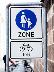 Fahrräder frei Schild